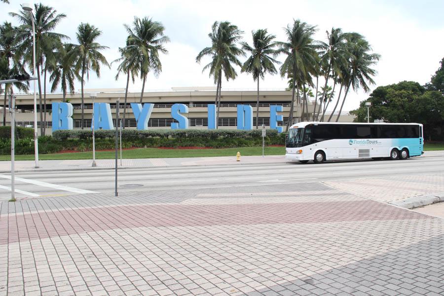 Florida Tours charter buses