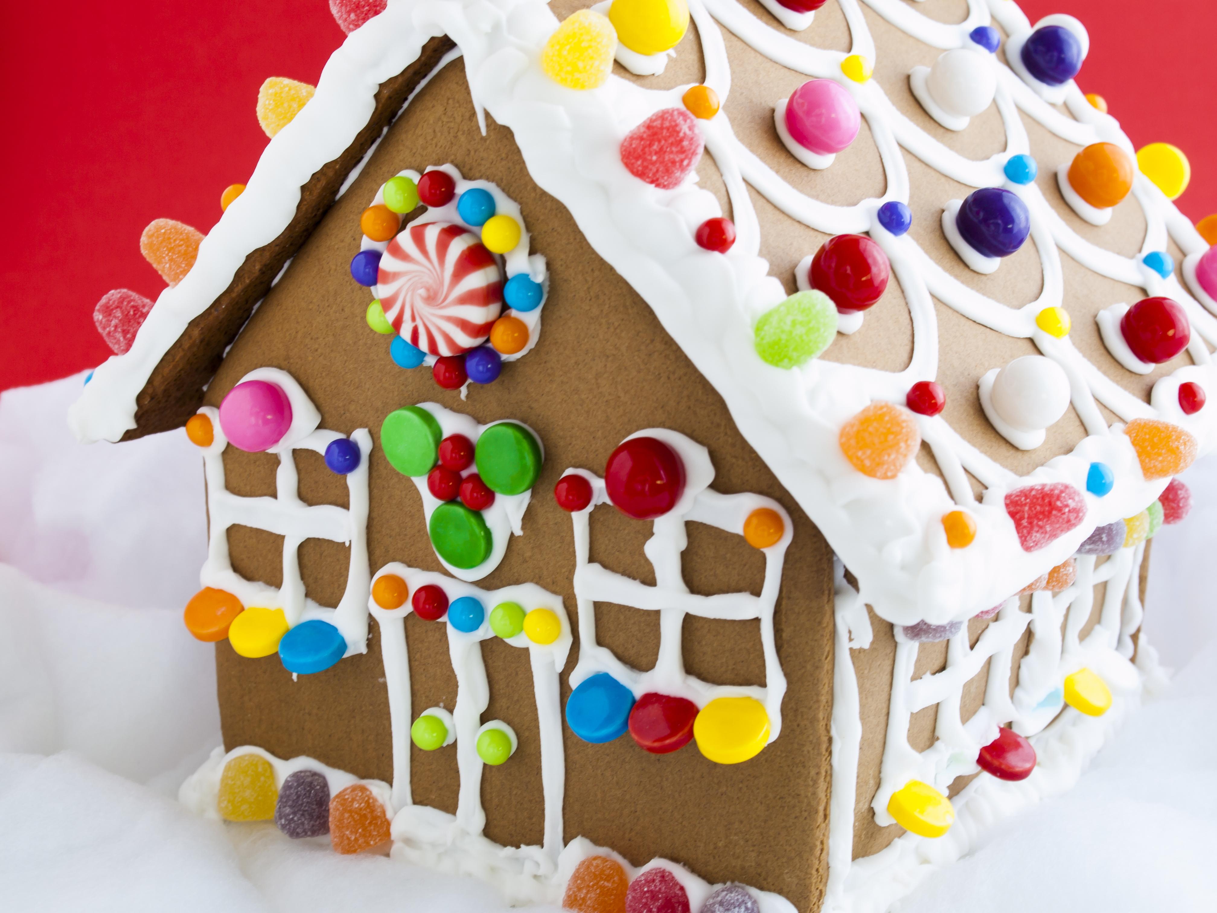 Floridatours.com Gingerbread House